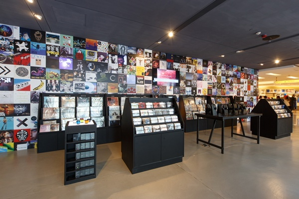 RDM-HK-music-store-2