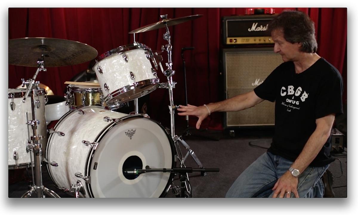 用一支mic收鼓皮有挖洞的大鼓