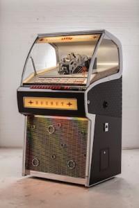 Vinyl_Rocket_Prototype-2_6512bd-1-e1455817611107