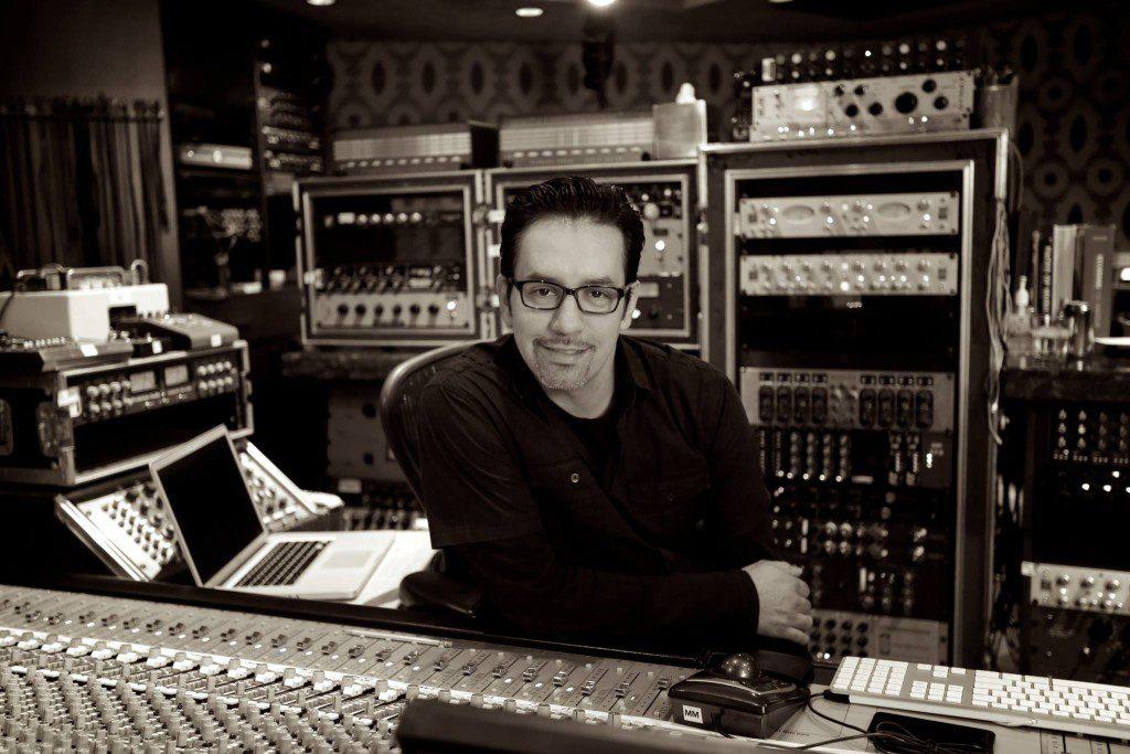 Manny Marroquin @Larrabee Studio Photo: Manny Marroquin Instagram