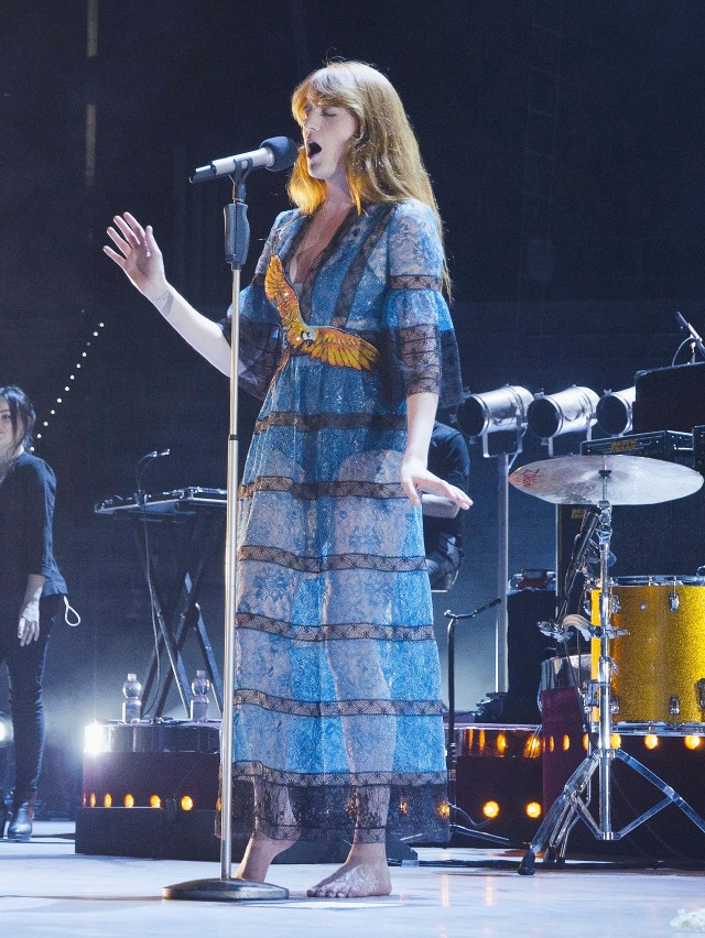 see-the-magical-gucci-dresses-florence-welch-is-wearing-on-tour-1733456-1460676309.640x0c