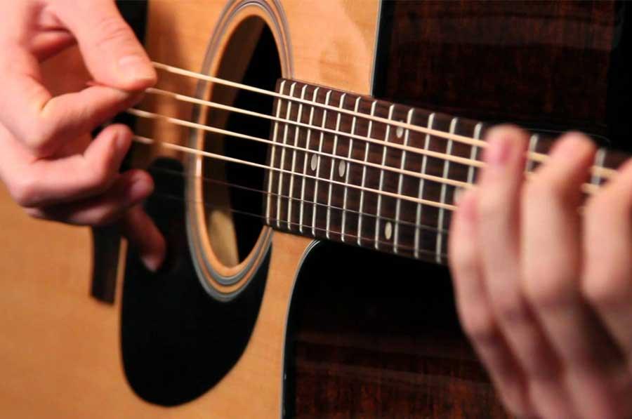 嗨!把吉他錄音快轉20倍速,竟成了弦樂重奏!
