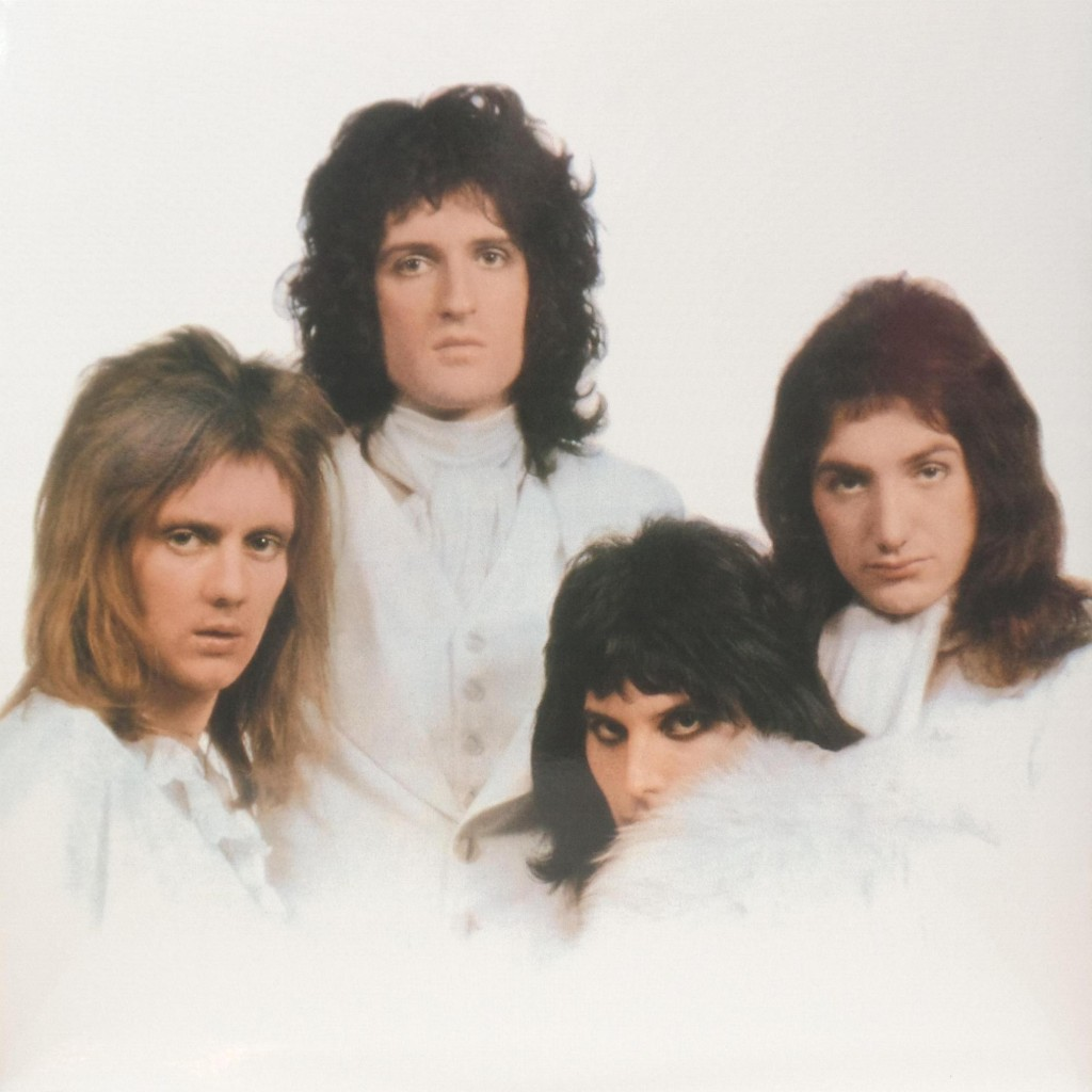 queen-ii-uk2015lpgatefold1