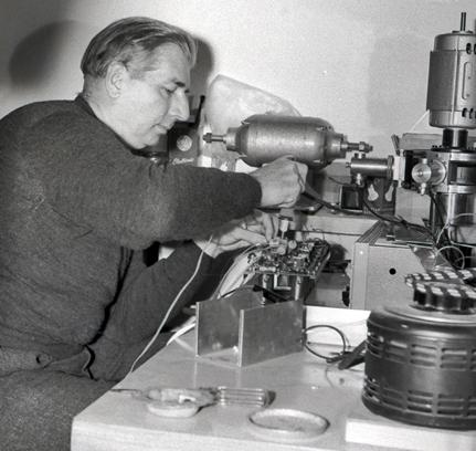 Canadian_physicist_Hugh_Le_Caine