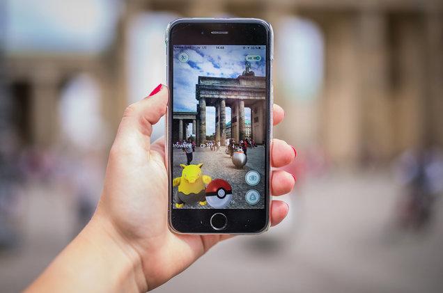 pokemon-go-phone-2016-billboard-1548