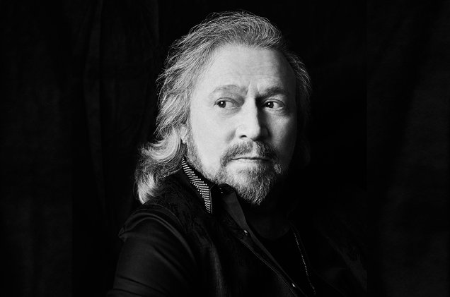 Barry-Gibb-press-2016-billboard-cr-danny-clinch-1548