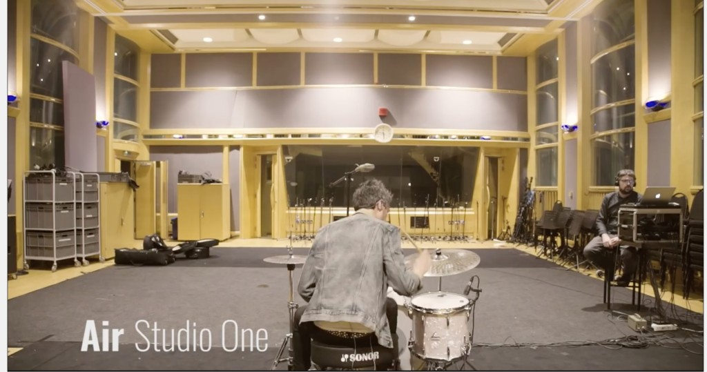 在 Air Studio One 錄音 Photo: Sound on sound Youtube channel