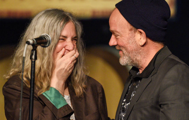 michael-stipe-patti-smith