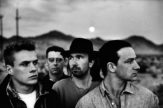 u2_joshua_tree_black_and_white_portait