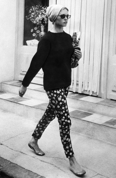 Brigitte-Bardot-floral-pants-ballet-flats
