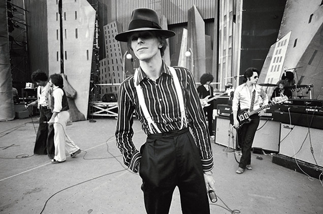 David-Bowie-opener-Diamond-Dog-tour-Los-Angeles-1974-Terry-ONeill-billboard-650