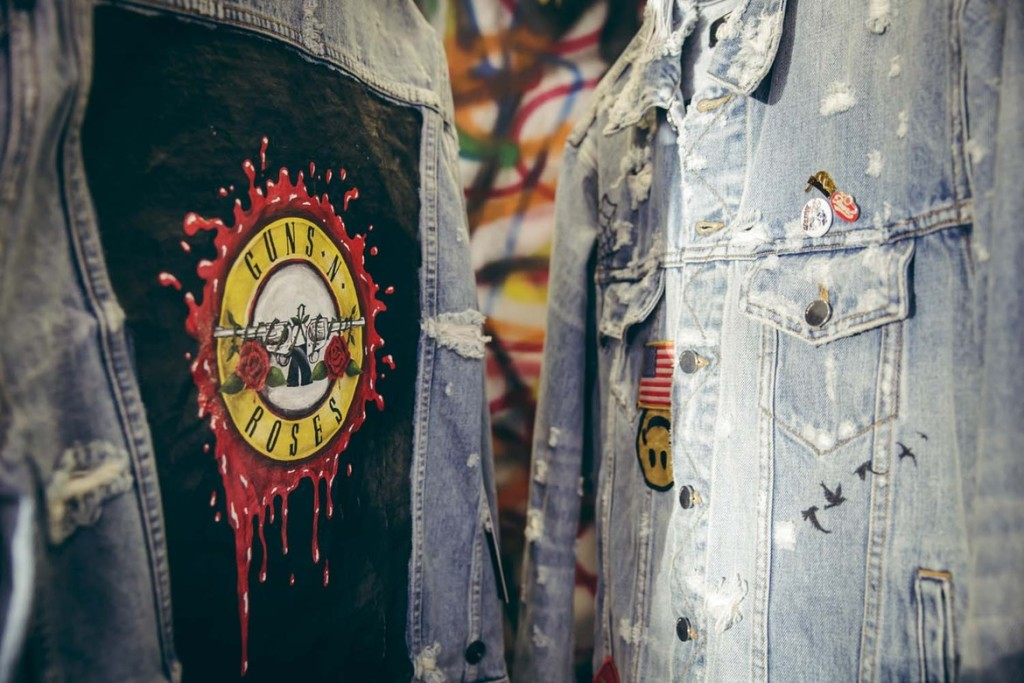 http-hypebeast.comimage201708maxfield-guns-n-roses-inside-look-event-17